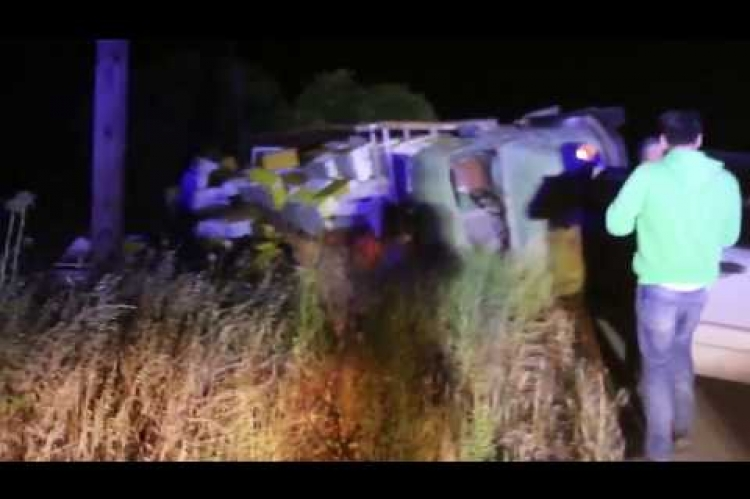 ArgolidaPortal.gr ΑΡΓΟΣ-Ανατροπή φορτηγού με μελίσσια στην επαρχιακή οδό Ναυπλίου-Μυκηνών