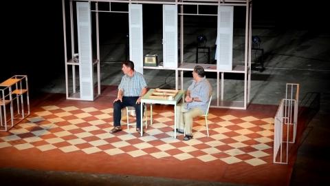 «Το τάβλι» με τους Ιεροκλή Μιχαηλίδη και Γεράσιμο Σκιαδαρέση στην Τρίπολη