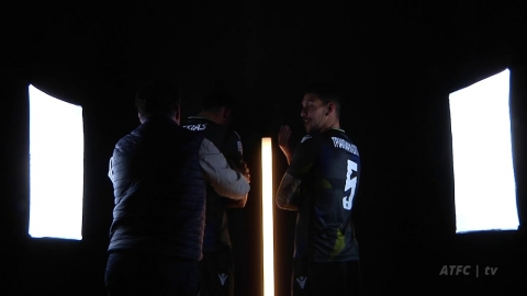 BACKSTAGE: Xmas Limited Edition Jersey