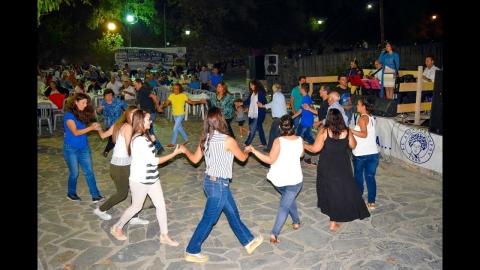 Παραδοσιακό γλέντι στα Σαπουνακαίϊκα