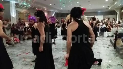 ArcadiaPortal.gr Ξέφρενη διασκέδαση και σόου στον αποκριάτικο χορό του ΣΑΟΟ